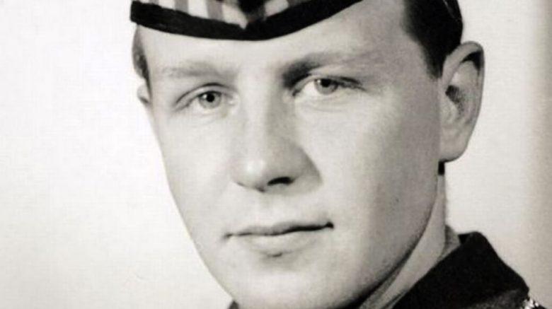 Soldier wearing Glengarry bonnet-Colonel Clive Fairweather