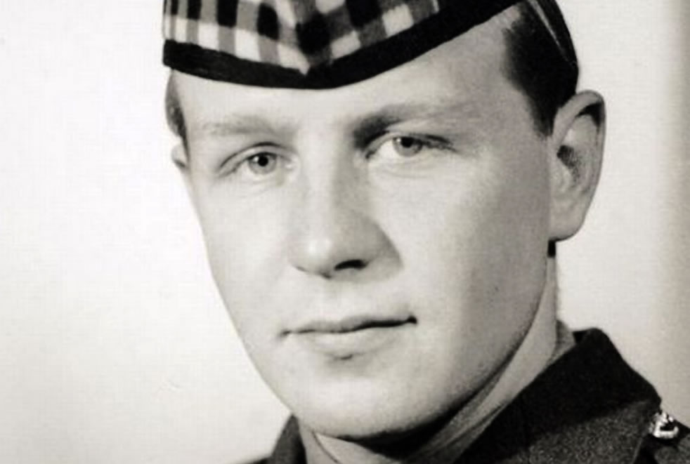 Soldier wearing Glengarry bonnet-Colonel Clive Fairweather