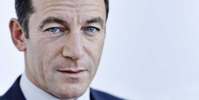 JASON ISAACS PAYS TRIBUTE